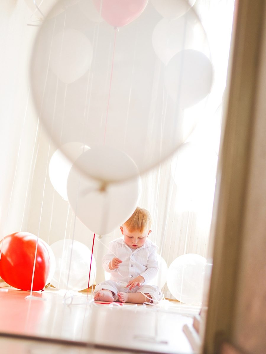 Nestling photography_Birthday celebration photos_balloon photoshoot (10)