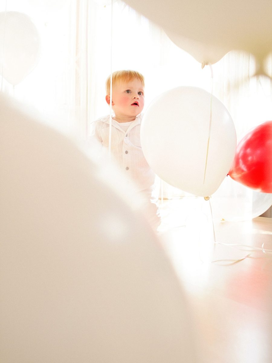 Nestling photography_Birthday celebration photos_balloon photoshoot (22)