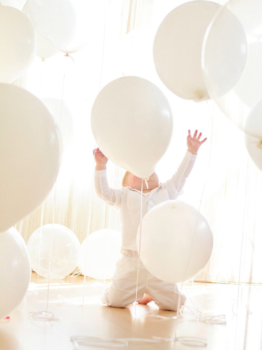 Nestling photography_Birthday celebration photos_balloon photoshoot (23)