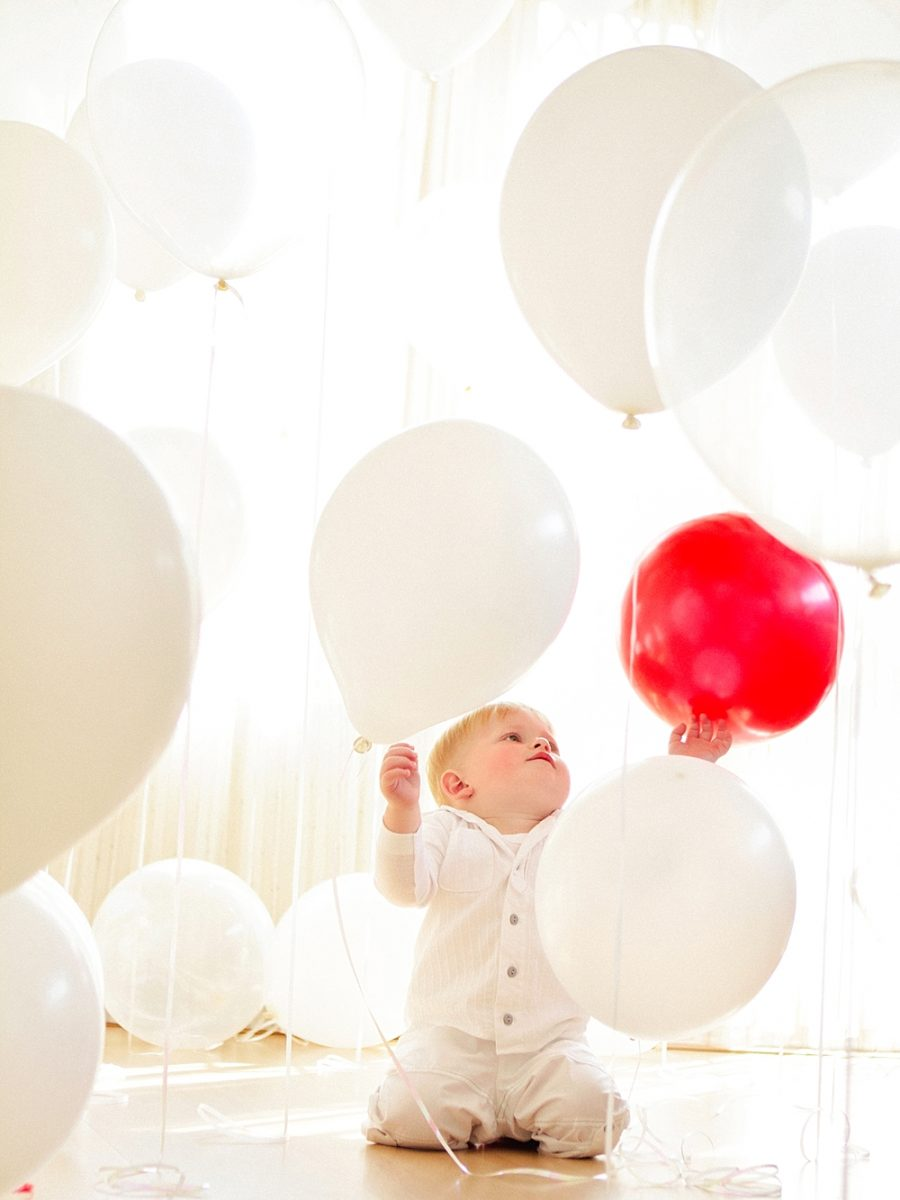 Nestling photography_Birthday celebration photos_balloon photoshoot (24)