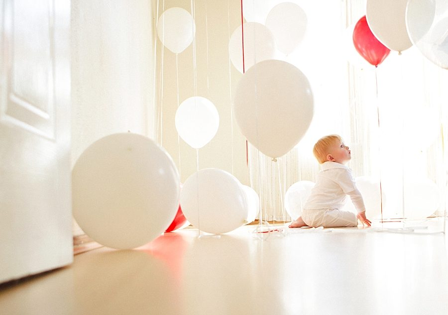 Nestling photography_Birthday celebration photos_balloon photoshoot (25)