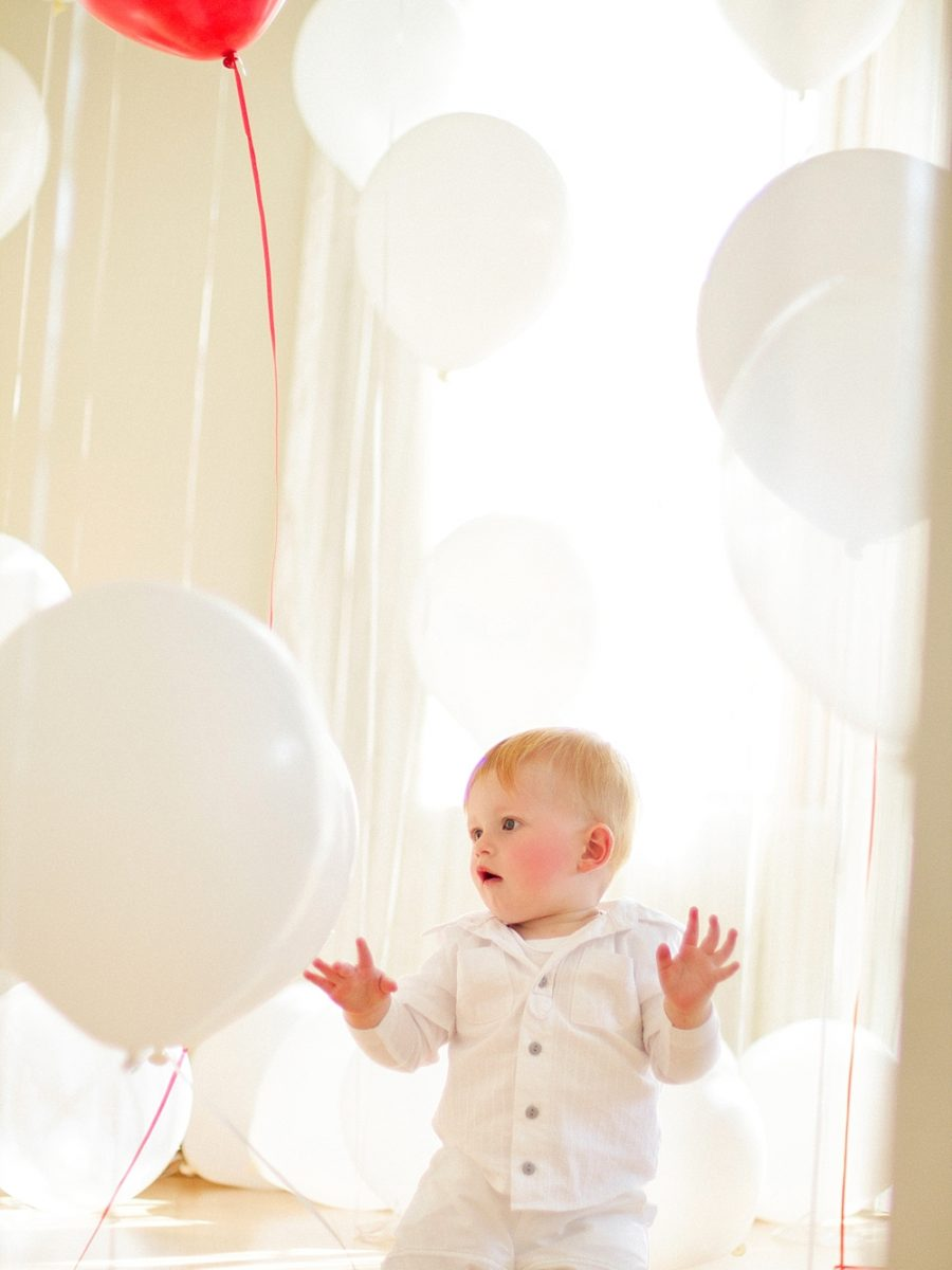 Nestling photography_Birthday celebration photos_balloon photoshoot (26)