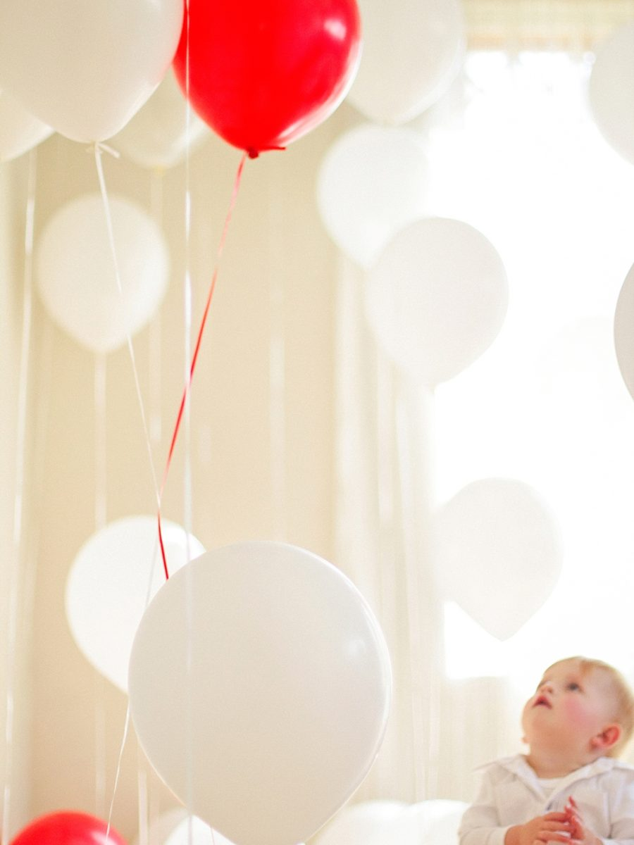 Nestling photography_Birthday celebration photos_balloon photoshoot (27)