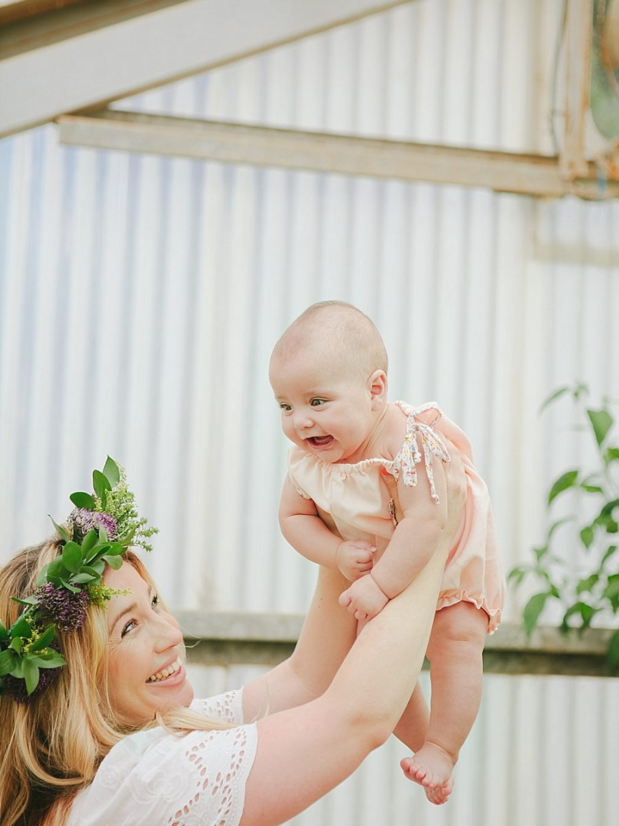 Nestling Photography-flower-crown-family-shoot (12)