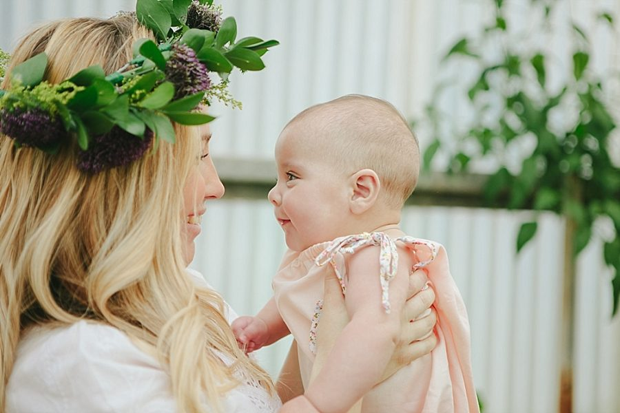 Nestling Photography-flower-crown-family-shoot (13)