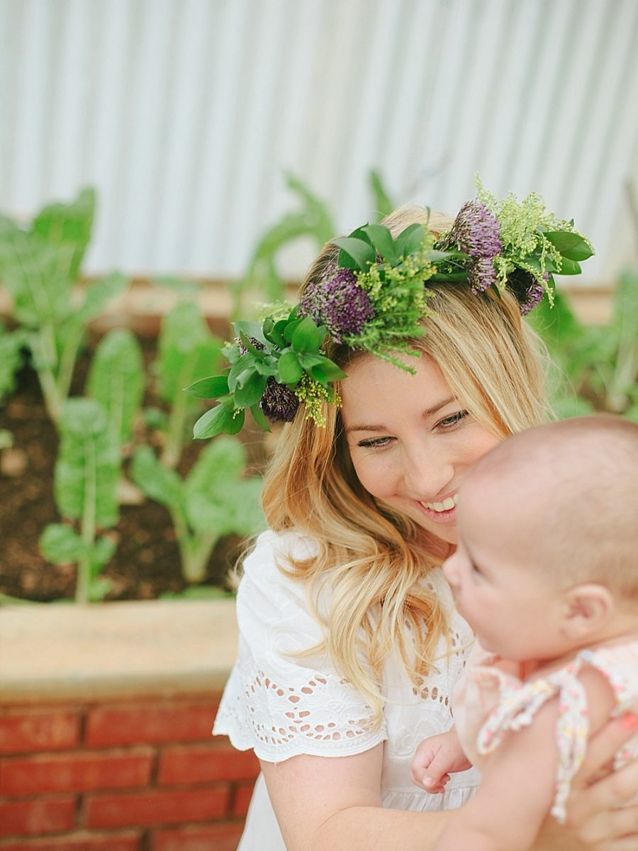 Nestling Photography-flower-crown-family-shoot (2)
