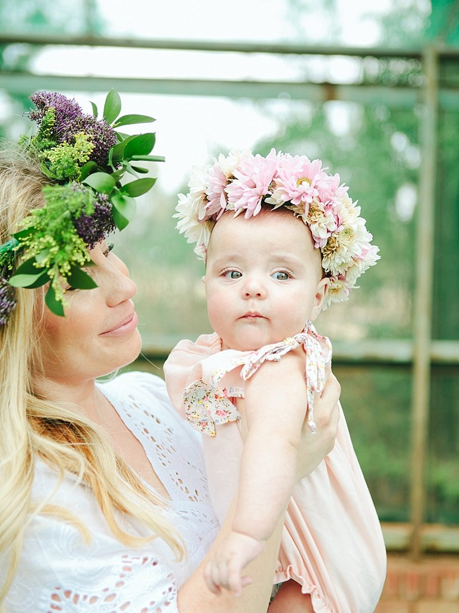 Nestling Photography-flower-crown-family-shoot (25)