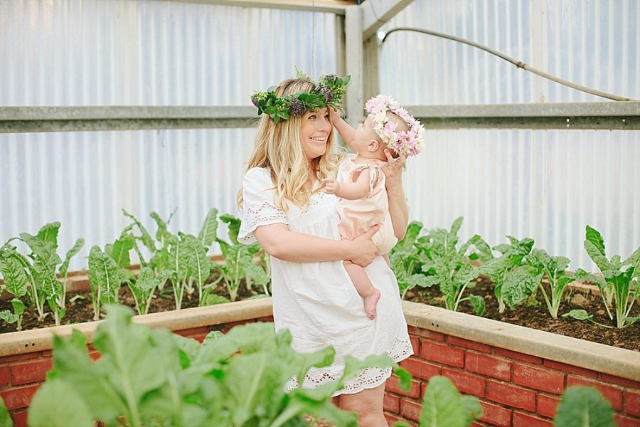Nestling Photography-flower-crown-family-shoot (27)