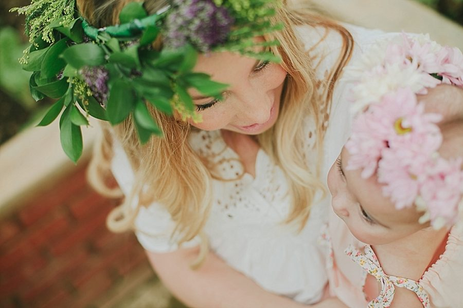 Nestling Photography-flower-crown-family-shoot (28)