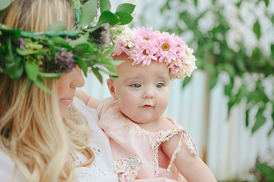 Nestling Photography-flower-crown-family-shoot (7)