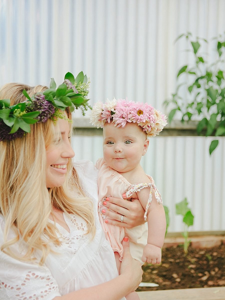 Nestling Photography-flower-crown-family-shoot (8)